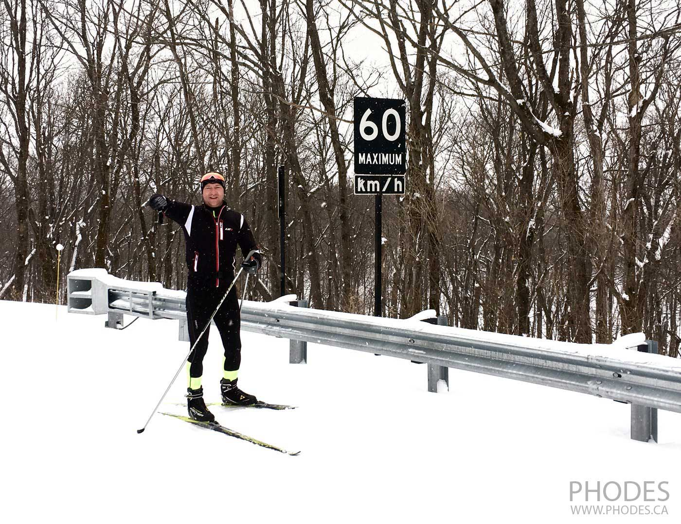 Cross country classic ski in Gatineau Park