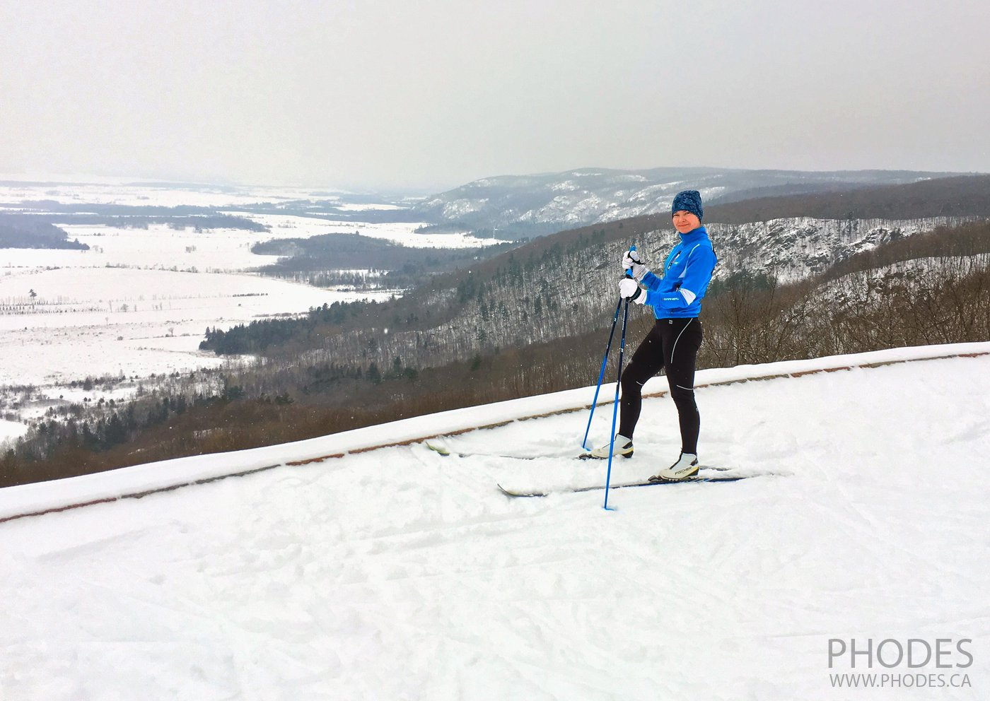 Cross country skate ski in Gatineau Park
