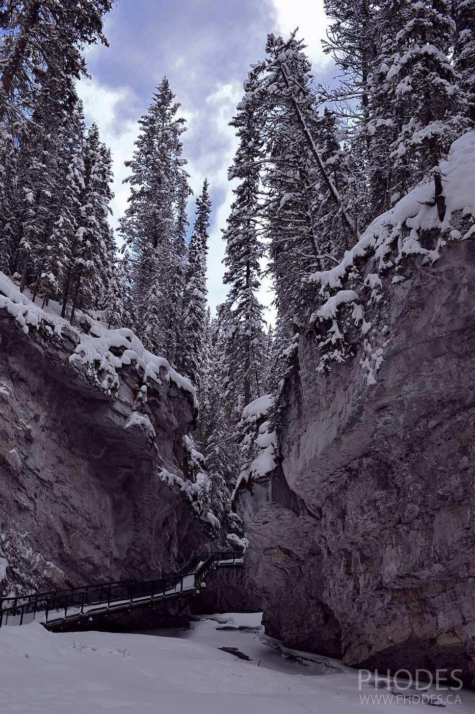 Johnston canyon trail in winter