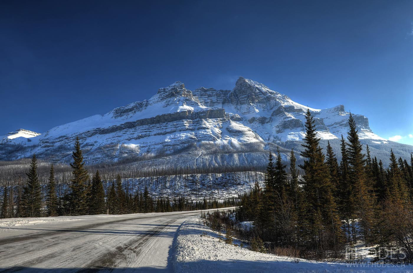 Icefields Parkway in National Park Jasper