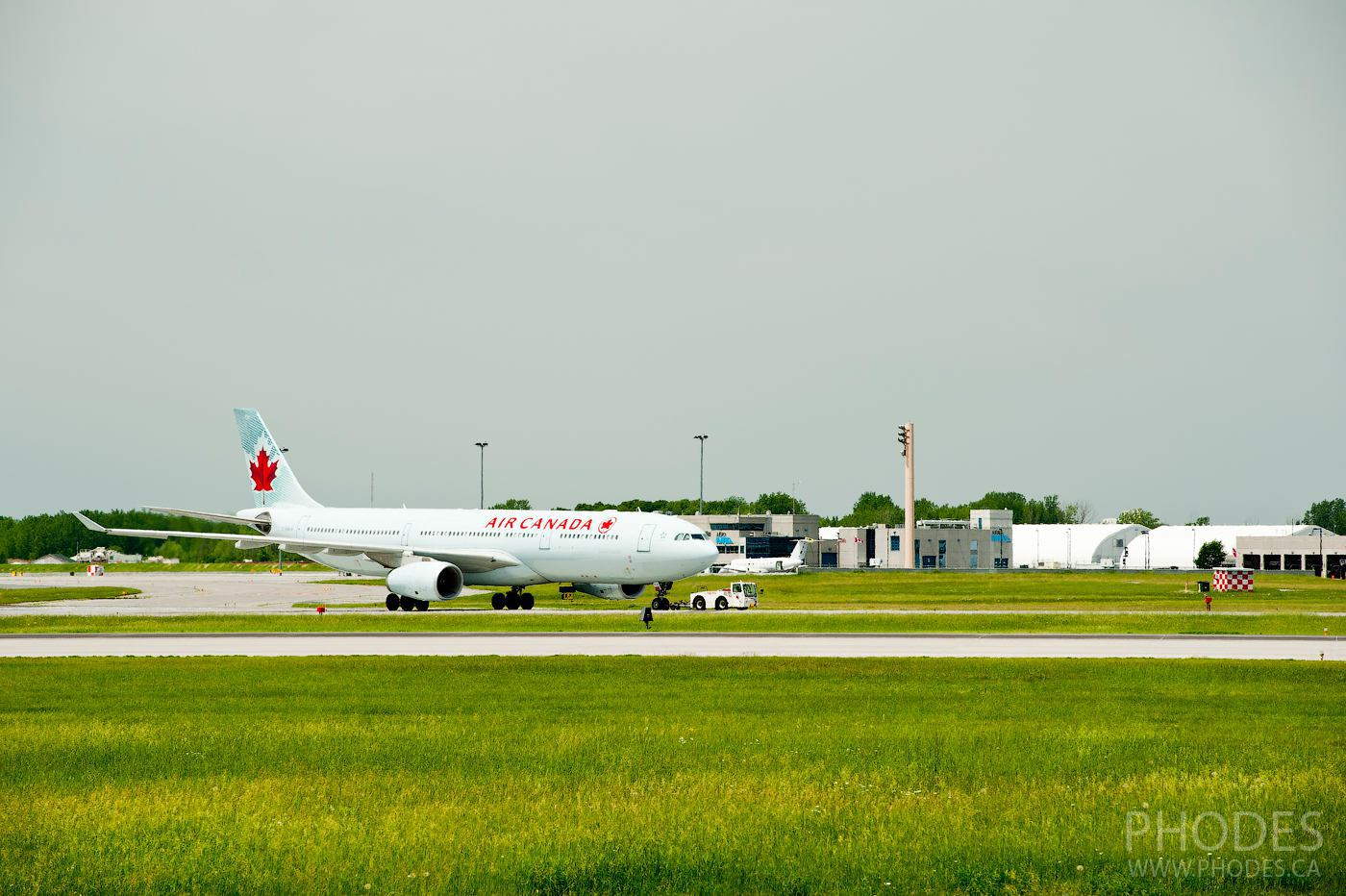 Air Canada plane before taking off - Airport Montreal Trudeau